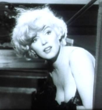 Marilyn_Monroe_in_Some_Like_it_Hot_trailer_cropped